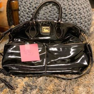 Dooney and Bourke purse. Excellent cond.